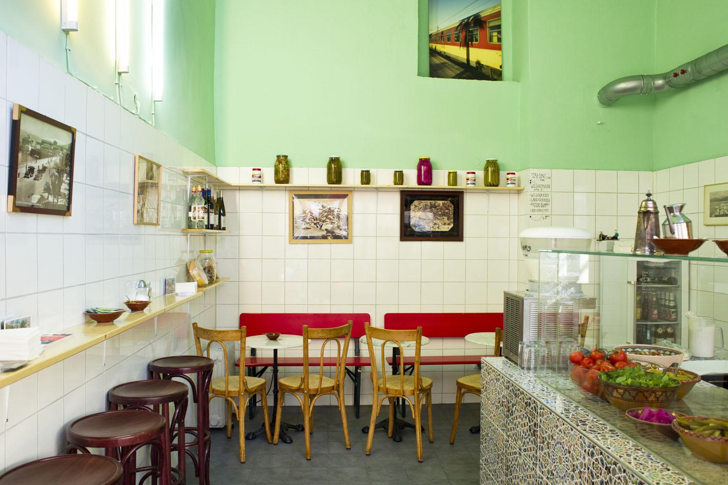 Falafel essen im Beirutbeirut in Sendling