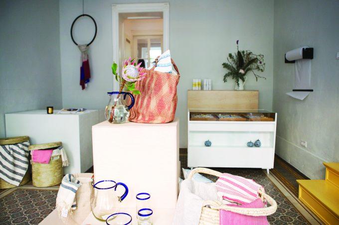 Folkdays Pop Up Shop: Faire Kleidung Und Home Accessoires