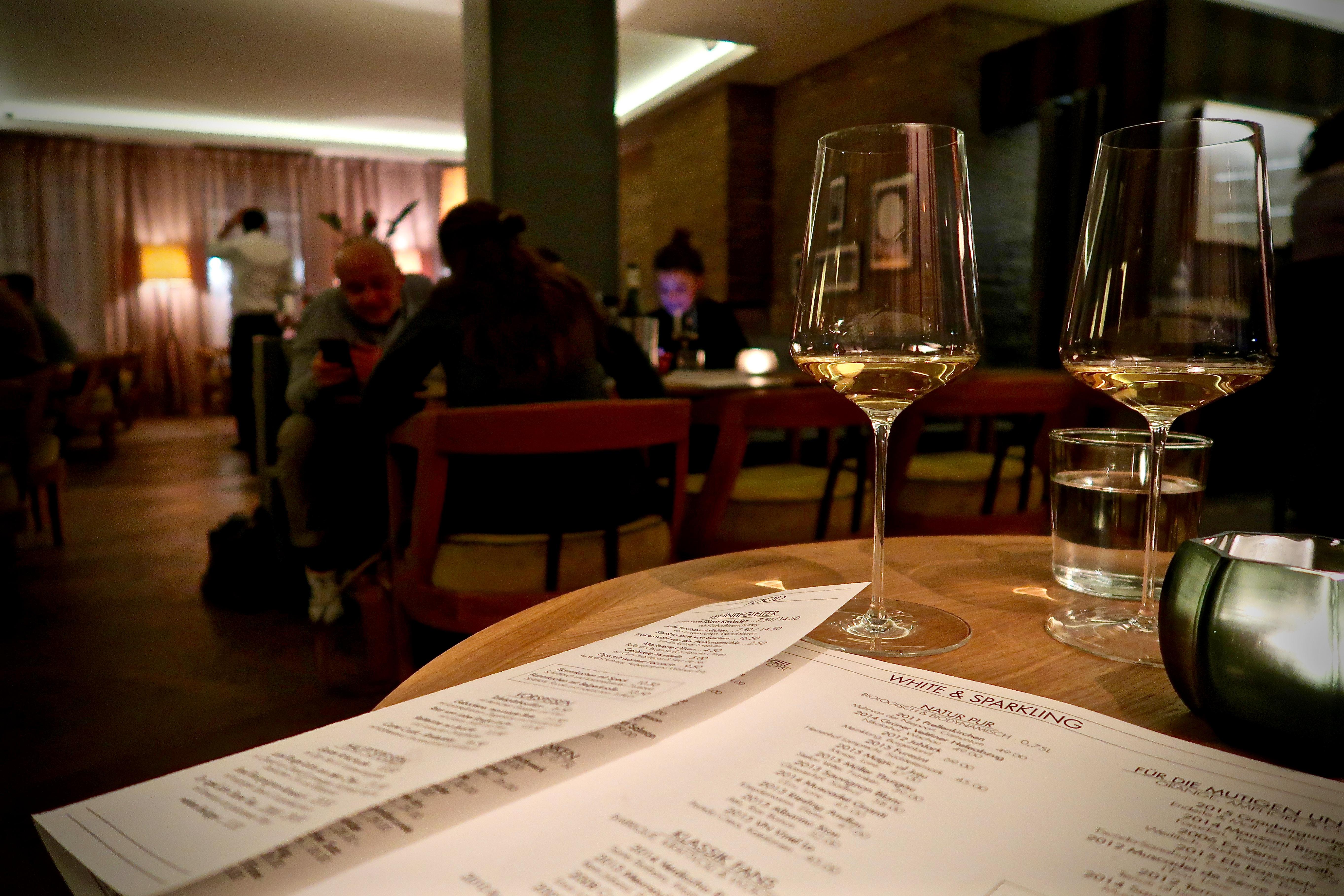 Wein trinken und Abend essen in der Grapes Weinbar | Mit Vergnügen ...