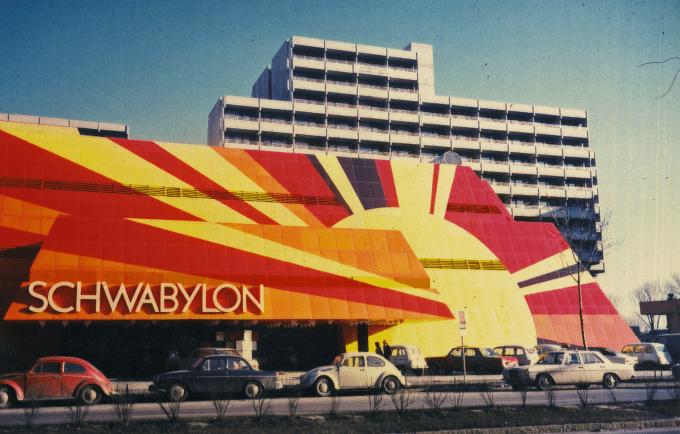 Schwabylon & Citta 2000: So bunt war Schwabing früher   Golden Clubs #1: Cocktails zwischen Haifischen im Yellow Submarine