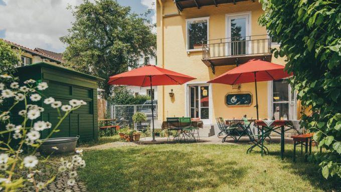 Café im gelben Häusl