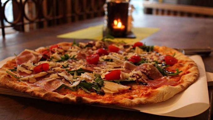 Montag, 29.04. All-you-can-Pizza – Solo Italia