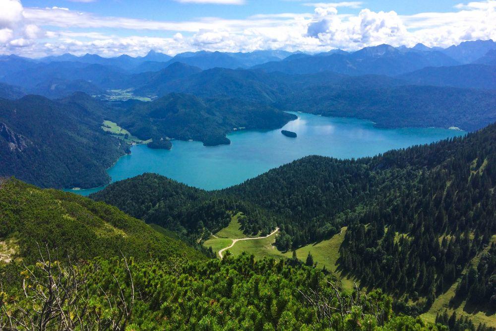 Ausflugsvernügen: Wandern auf den Herzogstand am Walchensee