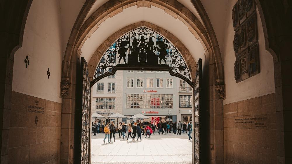 Marienplatz Altstadt Rathaus Fragen
