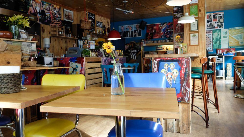 Der bunteste Mittagsspot: Das Café Stockholm am Hauptbahnhof