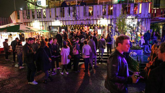 Spanplatte 1 Jahr Mit Vergnügen München – So schön war's auf unserer Geburtstagsparty