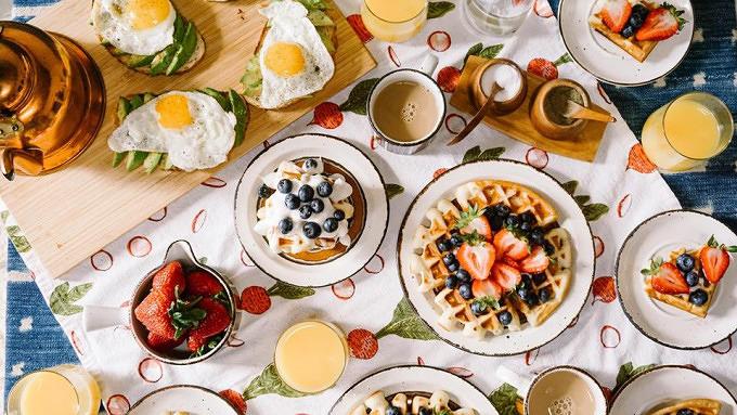 Sonntags Brunch – Restless Frühstück Mit Vergnügen