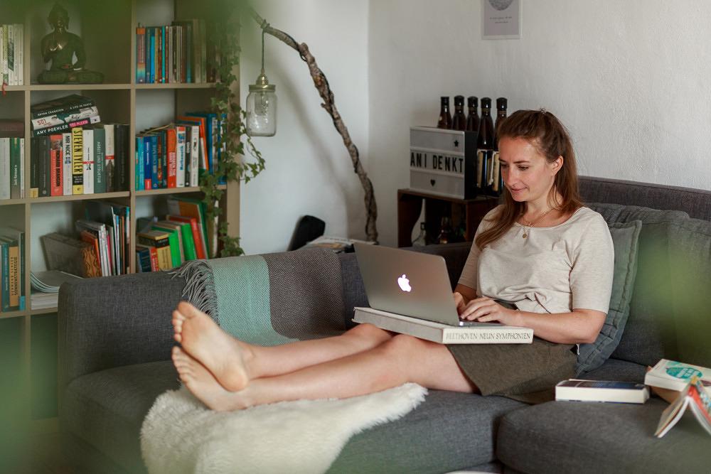 Sich fürs Schreiben entscheiden –Autorin Anika Landsteiner im Porträt