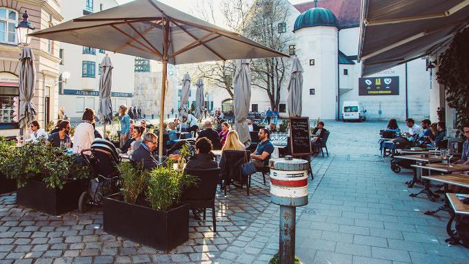 HOIZ Weinbistro am Sebastiansplatz