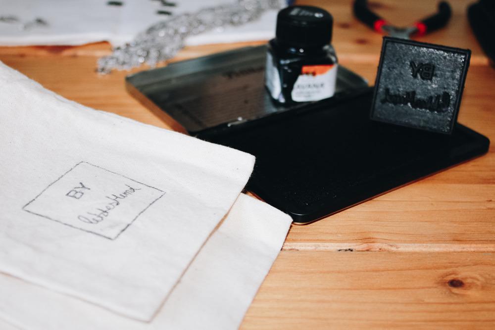 Kleine, geile Firma #39: Ketten mit Heimat-Motiv von Letzteshemd
