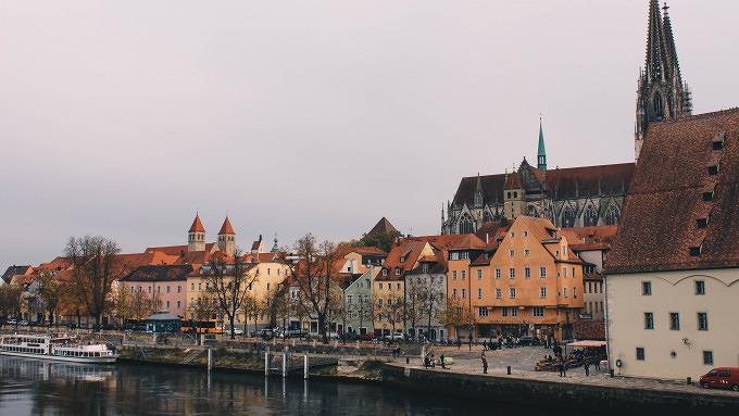 Donau Steinerne Brücke 11 Dinge, die du immer in Regensburg machen kannst