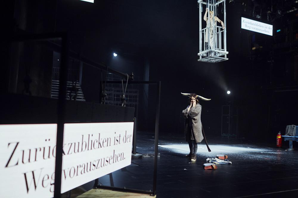 Binge Watching mal anders: Zehn Stunden Theater gucken in den Kammerspielen