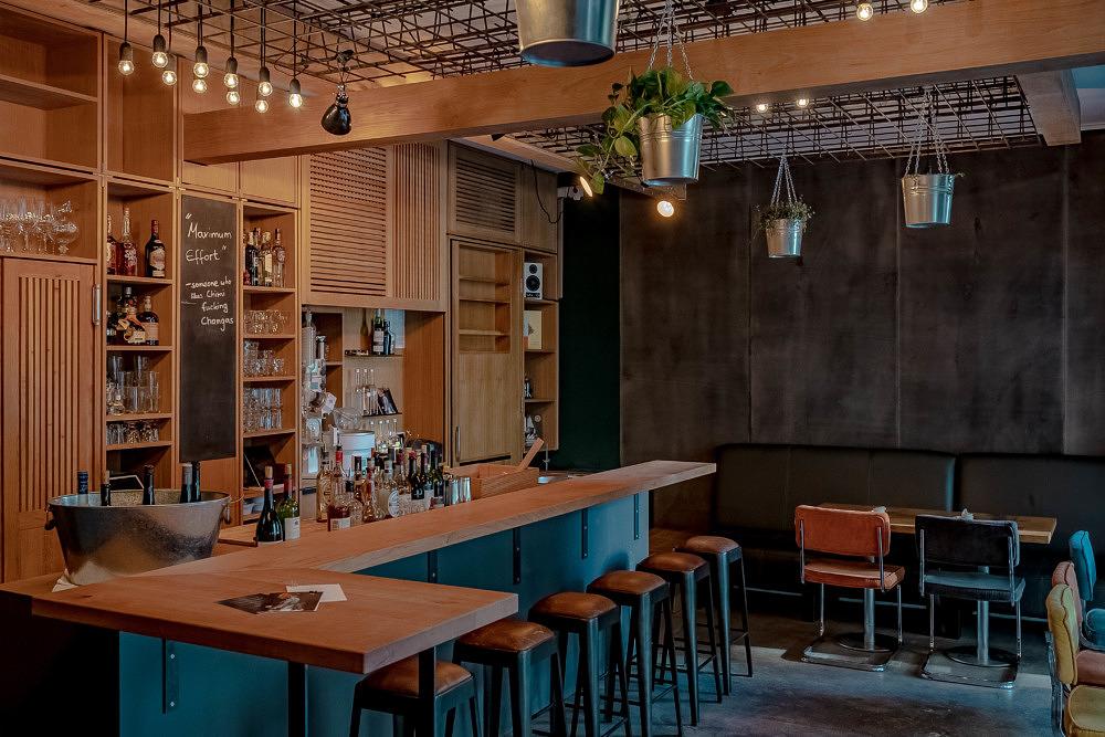 Erdnussbutter-Bourbon & Spanish Toast: Die Ménage Bar im Glockenbach