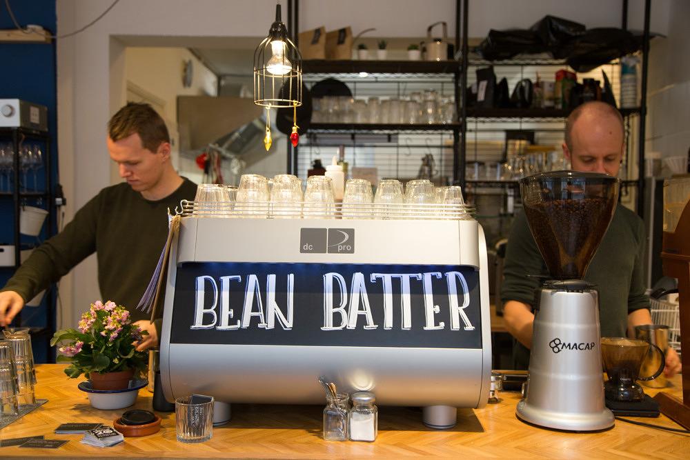 Besonderer Kaffee und herzhafte Waffeln: Das bean + batter im Westend