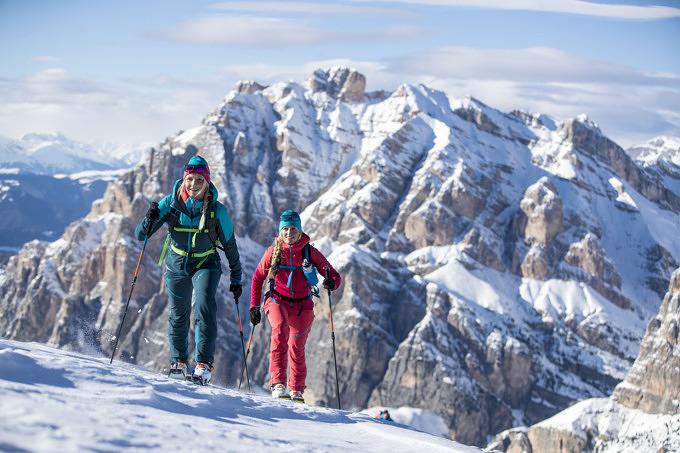 Vom Zwiebelprinzip zum Gipfelschnaps – 11 Anfängertipps für die Skitour