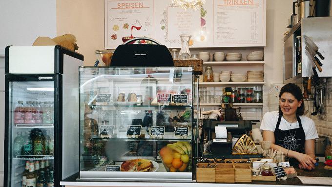 Gemütlich und gesund: Frühstücken und Mittagessen im Ask for Anna in der Maxvorstadt
