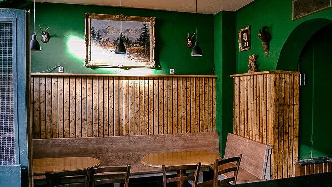 Bumsvoll Bar