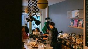Faber Breakfast Bar Garçon