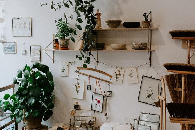 Shop Local Laden Design