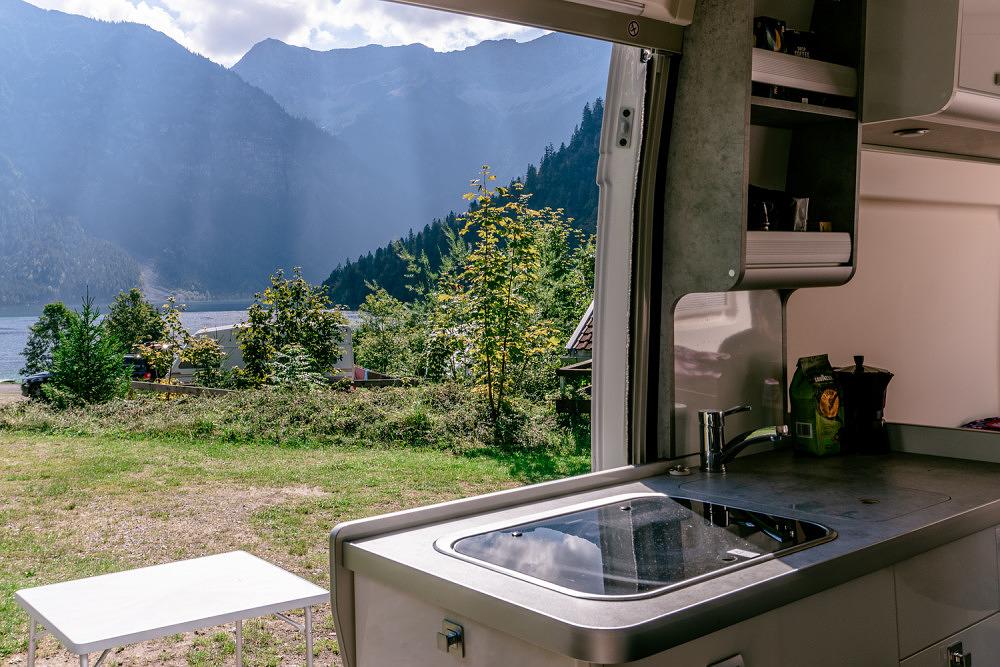 Roadsurfer Ausflugsvergnügen Campervan